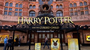 Rowling Asks Fans to Keep 'Harry Potter' Play Plot Secret