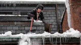 PHOTOS: Snow Pummels New England