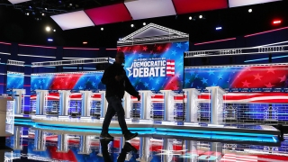 Top News Photos: Candidates Prepare for November Debate, Impeachment Hearings, More