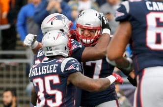 Pats Beat Chargers 21-13, Improve Record to 6-2
