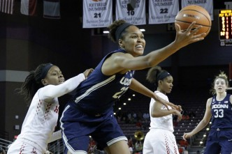 Stevens' 19 Leads No. 1 UConn to 95-35 Rout Over Houston