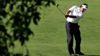Mickelson, Horschel Share Clubhouse Lead at U.S. Open
