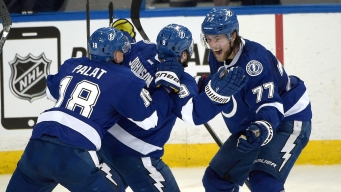 Lightning Beats Canadiens With Last-Minute Goal