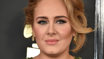 Adele Shares Story of Friend Who Had Postpartum Psychosis