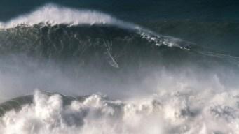 Cowabunga! Brazilian Surfer's 80-Foot Wave Breaks Record