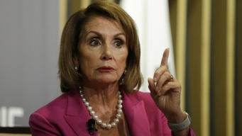 Pelosi Confronted by 'Angry Mob' at Fla. Campaign Event