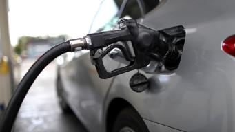 Average US Price of Gas Drops 3 Cents Per Gallon to $2.93