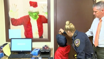 Miss. Boy Dials 911 to Report the Grinch Stealing Christmas