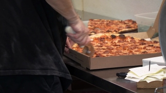 West Hartford Pizzeria Celebrates Red Sox Win With Free Pizza