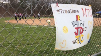Community Holds Fundraiser for 2 Teens Recovering From Crash