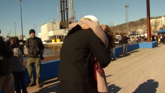 Sailor Proposes to Girlfriend at USS Pittsburgh Homecoming
