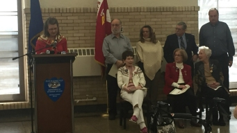Female WWII Marine Veterans Receive Their Victory Medals