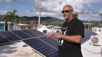 Hurricane María Exposes Problems Within Puerto Rico's Solar Panel Industry
