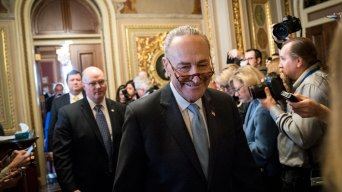 Schumer Takes Back Wall Offer in New Immigration Push
