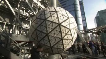 32,000 Lights Adorn Times Square New Year's Eve Ball