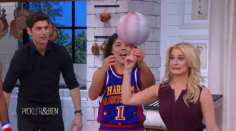 Harlem Globetrotters Show How to Spin