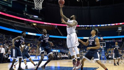 Hamilton, Miller Lead UConn Past Temple in AAC Semifinal