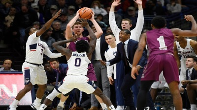 Larrier Scores 27 and UConn Pulls Away From Colgate 70-58