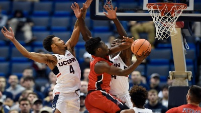 Adams Leads UConn From Behind to Win Over Stony Brook