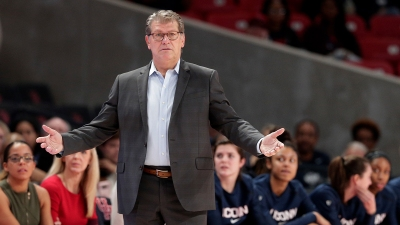 UConn Falls to No. 3, Notre Dame Tops Latest AP Poll