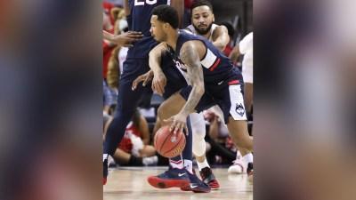 Davis Scores 22 to Lead No. 11 Houston Past UConn 84-45
