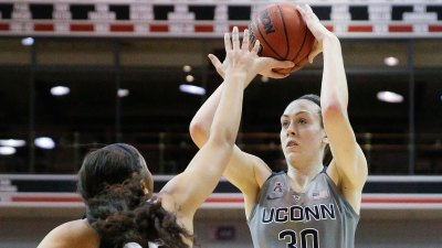 UConn's Stewart Named AAC Player of the Week