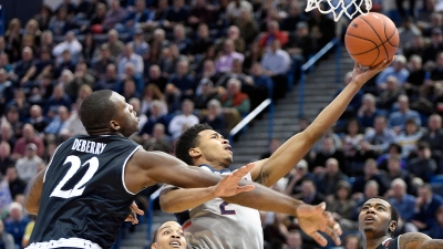 UConn Falls to Cincinnati 58-57