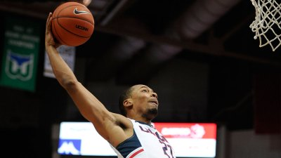 Miller Scores 18; UConn Beats Tulane