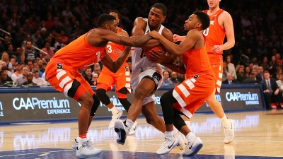 UConn Outlasts Syracuse at MSG 52-50