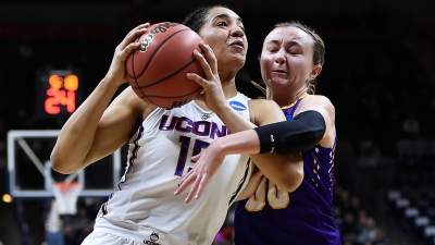 UConn Routs Albany 116-55 to Win 108th Straight Game