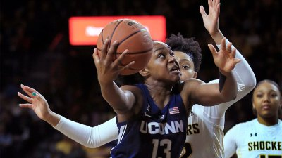 Collier Helps No. 2 UConn Tout Wichita State 84-47