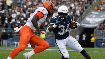 UConn Falls to Illinois 31-23