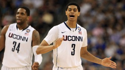 UConn Topped by Syracuse 85-67