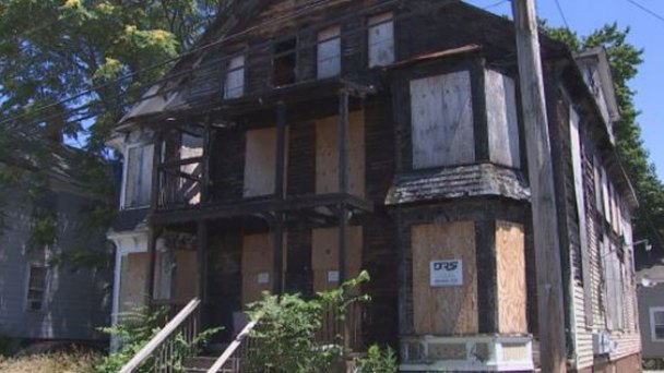 Enfield Apartment Still an Eyesore Nearly 4 Years After Fire