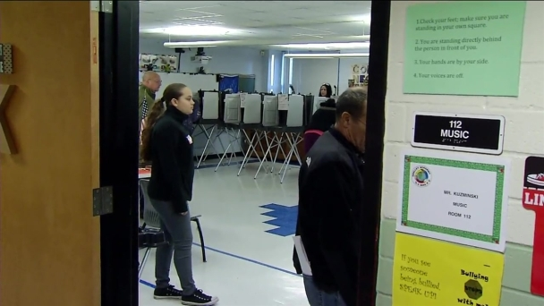 Troubleshooters Look Into Problems With Voting Machines