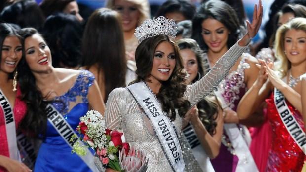 [NATL-GALLERY] Miss Venezuela Takes Home Miss Universe Crown