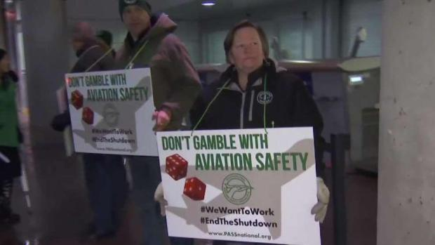 [HAR] Airport Workers Rally at Bradley