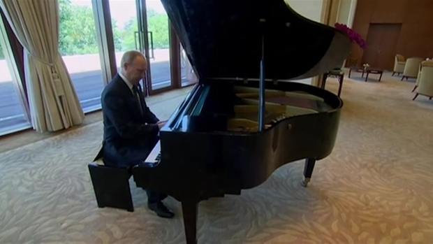 [NATL] Putin Shows Off Musical Talent on Piano in China