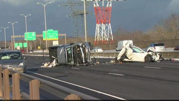 Crash Closes Southbound Side of Charter Oak Bridge
