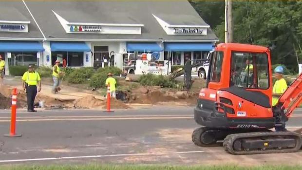 Gas Leak Causing Lane Closures on Route 44 in Avon