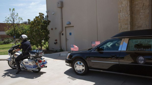 [NATL] Dallas Mourns After Five Police Officers Killed