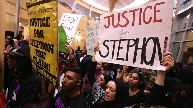 [NATL] Protesters Flood Sacramento After Police Shooting of Unarmed Man