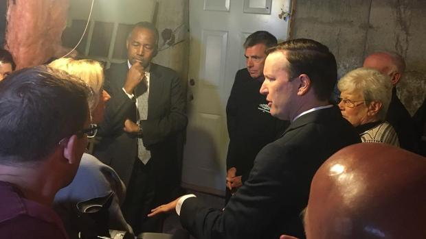 [HAR] HUD Secretary Carson Touring Home With Crumbling Foundation