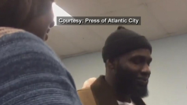 [NATL-PHI] Man Who Broke Up Fight Between Teens in Viral Video Receives Honor in Atlantic City