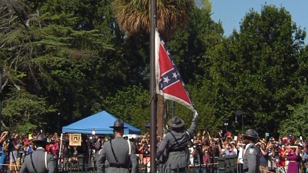 [NATL] WATCH: Confederate Flag Comes Down