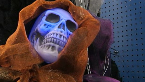 [NEWSC] Halloween Sales Expected to Slump Due to Gov't Shutdown