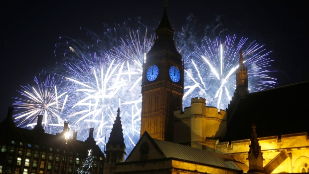 Top 2016 New Year's Eve Images From Around the World