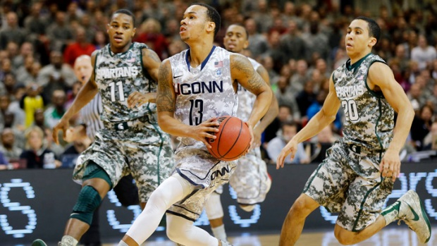 Huskies Move to 2-0, Now 23rd in Nation