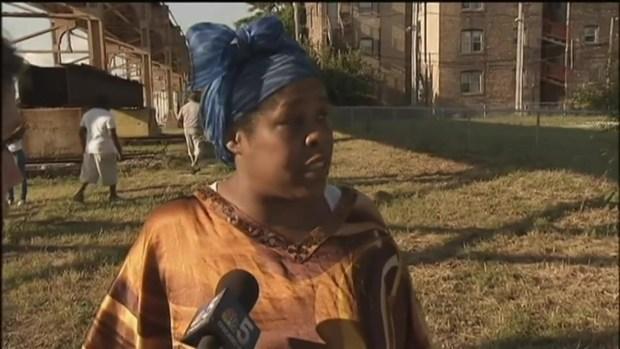 [CHI] Mother Rails Against Unfit Parents