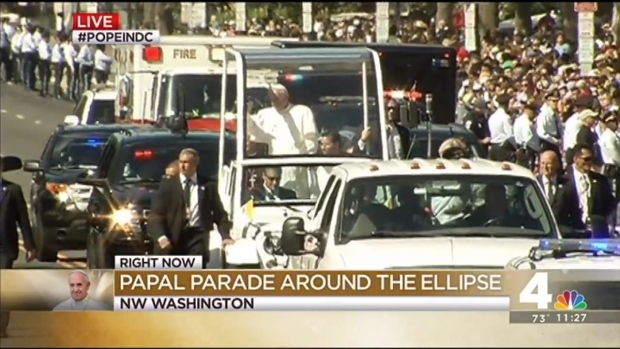 [NATL-DC] Pope Waves to Crowd, Blesses Babies